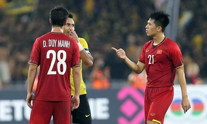Video clip: Hậu vệ tuyển Việt Nam và pha tắc bóng đẳng cấp đến Ronaldo, Messi còn phải ngán