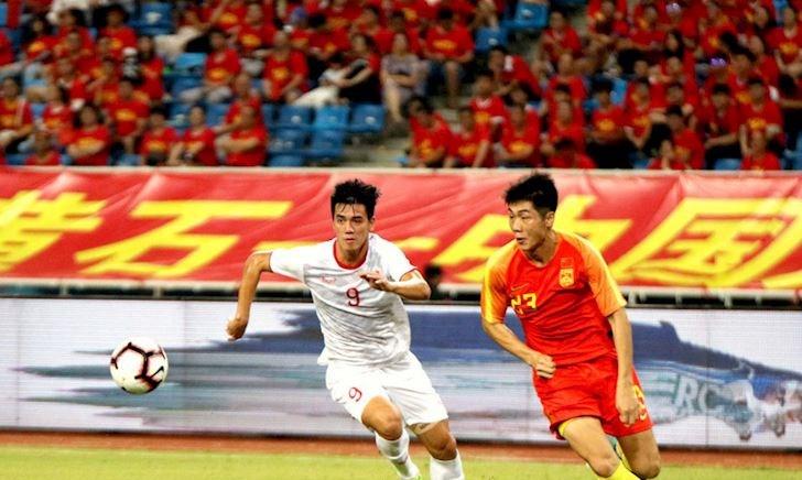 Bóng đá Trung Quốc tủi hờn: Việt Nam hơn đẳng cấp nên thẳng thừng quá