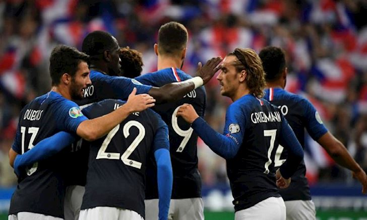 Griezmann lai da hong phat den, Phap van dai thang o Stade de France anh 2