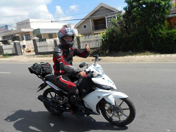 mua-fullface-600-nghin-la-du-sai-lam-nghiem-trong-cua-biker-moi-do-bao-ho 1