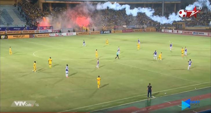 phao-sang-san-hang-day-toan-vi-mot-qua-penalty 2