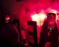 CĐV biến SVĐ địa ngục trần gian với hàng nghìn pháo sáng