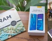 Trên tay Realme 5 tại Việt Nam: Snapdragon 665, 4 camera chính, giá hấp dẫn