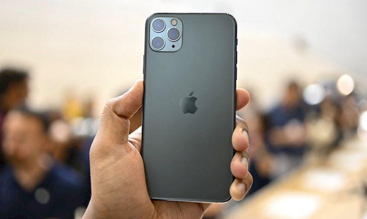 iPhone 11 Pro Max giá bao nhiêu tiền khi về Việt Nam?