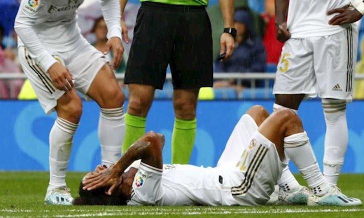 Trước đại chiến PSG, Real Madrid lại đón thương binh thứ 11