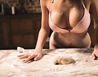 Khoa học chứng minh: Đây là lý do khiến đàn ông 'đam mê' bộ ngực phụ nữ đến vậy