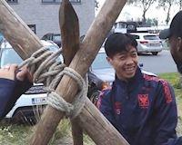 Video clip: Công Phượng cười sảng khoái chơi team building của Sint-Truiden