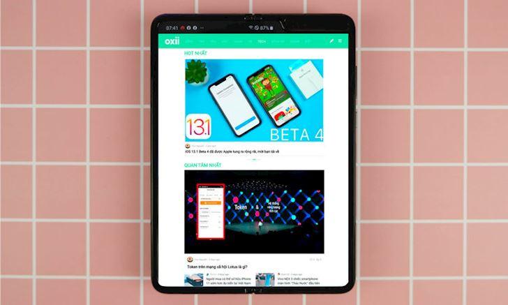 Samsung Galaxy Fold gia bao nhieu muon mua thi lam the nao 1