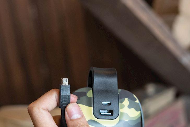 tren-tay-pin-du-phong-idmix-mr-charger-25
