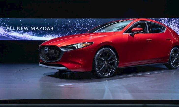 Mazda 3 2020 giá cao, có nên mua Mazda 3 2019?