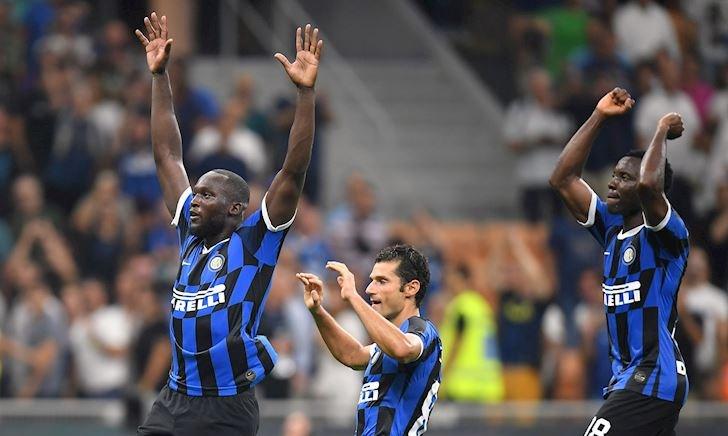 Lịch thi đấu bóng đá hôm nay 21/9: Derby thành Milan
