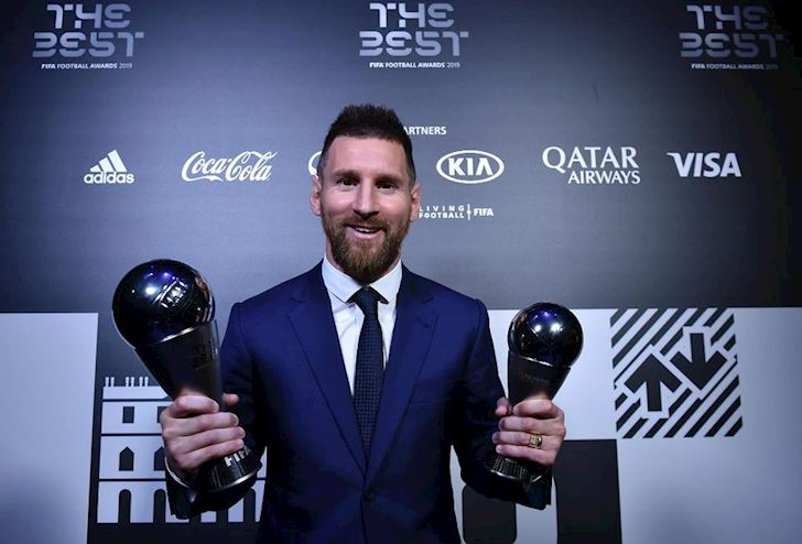 The-Best-Messi-bi-dan-huyen-thoai-doi-xu-phu-phang-anh-1