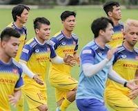 Video clip: Tuyển Việt Nam thư thái tập thể dục buổi sáng trước ngày đấu Thái Lan