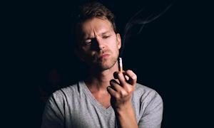 Đàn ông đốt thuốc như xe đốt xăng và giải pháp