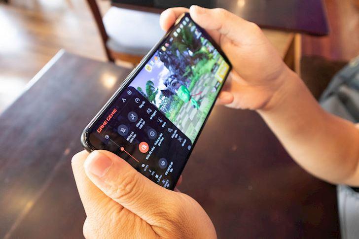Mo hop nhanh Asus ROG Phone 2 Cung cap manh me nhieu tinh nang hay 13