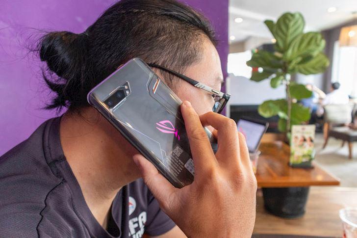Mo hop nhanh Asus ROG Phone 2 Cung cap manh me nhieu tinh nang hay 16