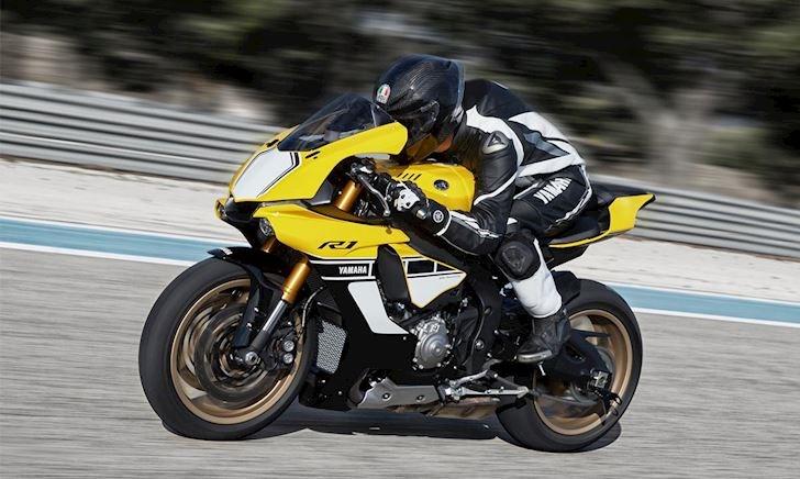 Max speed Yamaha YZF-R1 - Đang chạy lên 299 mà bị vượt mặt