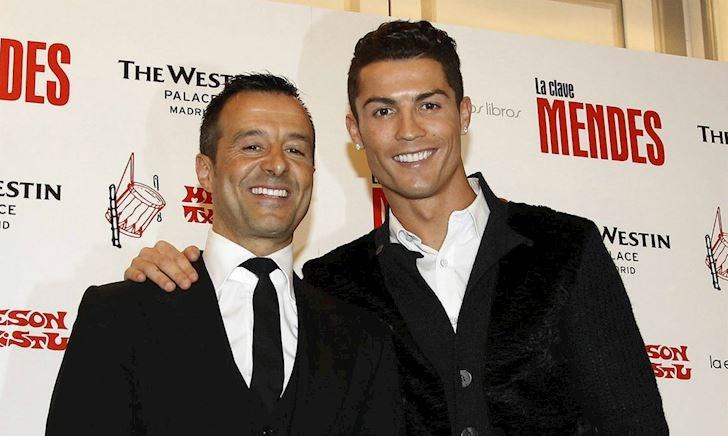 MỚI: Đại diện Ronaldo hốt bạc; Ed Woodward lại khiến fan MU tức điên