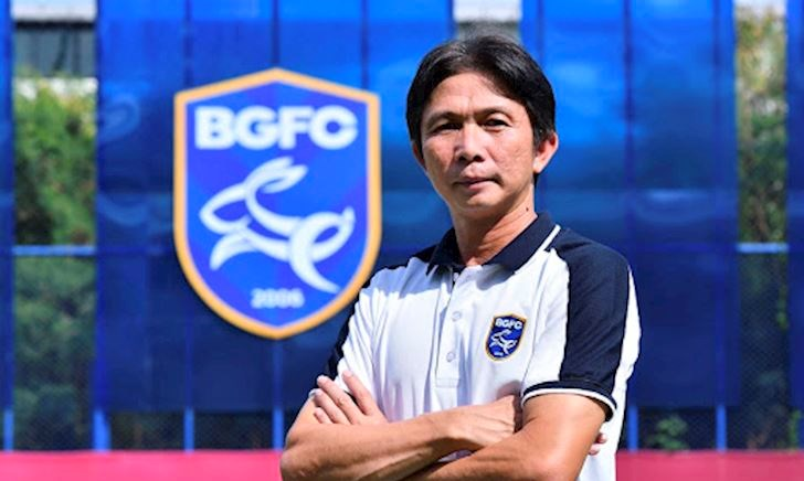 Cựu HLV HAGL thắng liên hoàn, khuynh đảo Thai League