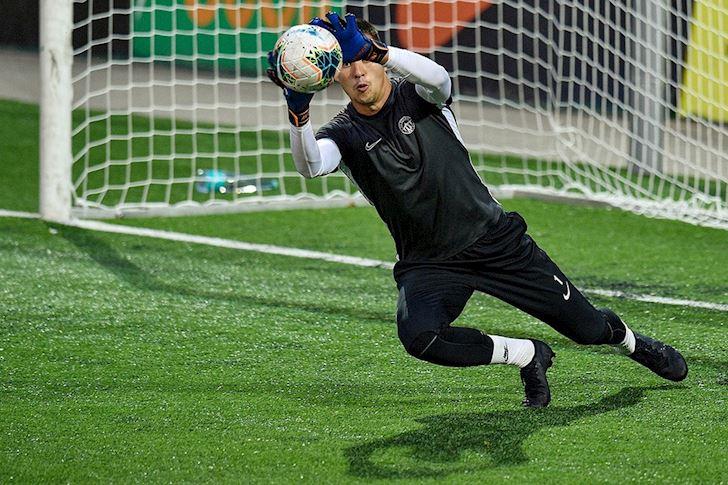 Ra-mat-xuat-sac-o-Europa-League-Filip-Nguyen-nhan-diem-cao-nhat-san-anh-2