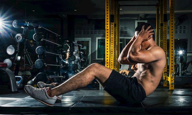 Khác biệt giữa Sit-ups và Crunches, đâu là bài tập core tốt nhất cho nam giới