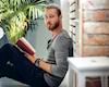 Bàn về chuyện 'ngộ độc' khi đọc sách self-help