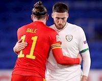 """Gareth Bale """"xanh mặt"""" vì lỡ ôm cầu thủ dính Cô-vi"""