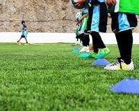 Cách chọn giày bóng đá cực dễ cho con mà bố phải biết