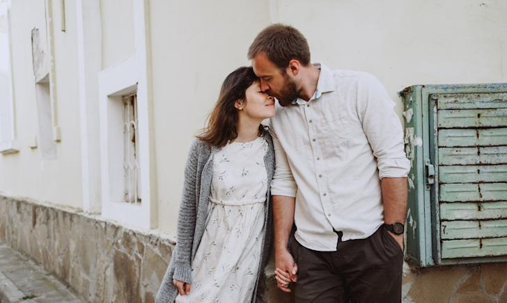 Đàn ông trong tình yêu, sẽ phải trải qua 6 giai đoạn này