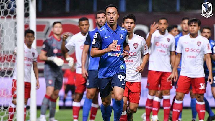 Trong-khi-Kiatisak-cho-ngay-den-HAGL-thi-ban-than-Dusit-dang-nam-trum-Thai-League-2