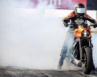 Thử chạy drag với chiếc mô tô điện Harley-Davidson LiveWire