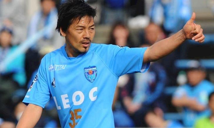 """Báo Pháp ngỡ ngàng khi lão tướng Nhật Bản đến V-League: """"39 tuổi vẫn còn đá à?"""""""