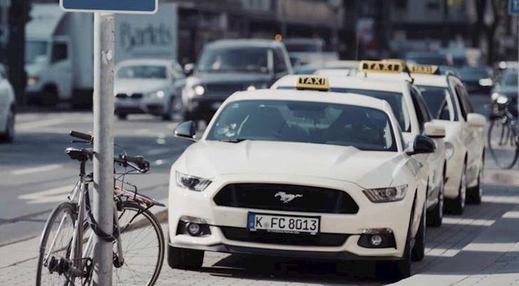 10-mau-taxi-dung-sieu-xe-sang-chanh-nhat-the-gioi-3