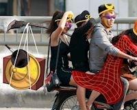 Hề hước với bộ ảnh đậm chất văn hóa giao thông Hà Nội
