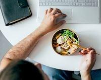 Chỉ 20 phút chuẩn bị healthy salad ngon miệng, đủ calories cho nam giới