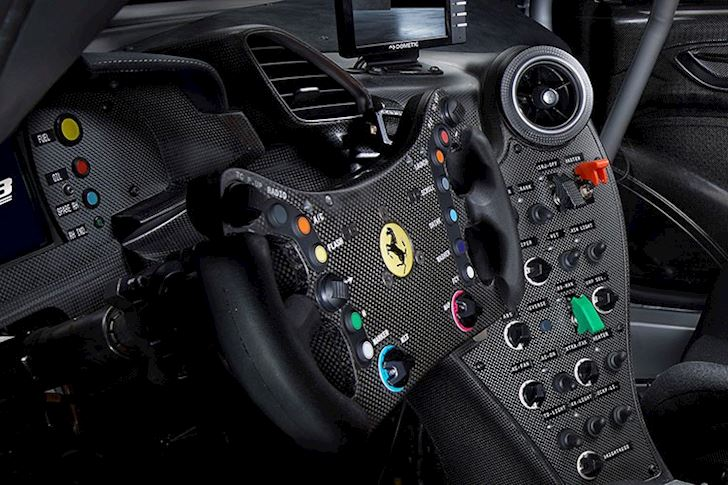 ngam-nhin-sieu-xe-Ferrari 488 GT-Modificata-700-ma-luc-3