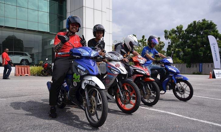 Quá trẻ trâu khi chạy xe, thanh niên ở Malaysia chuẩn bị chỉ được chạy xe 70cc