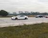 Cuộc chiến tốc độ giữa xe điện và xăng, Tesla vs Volkswagen