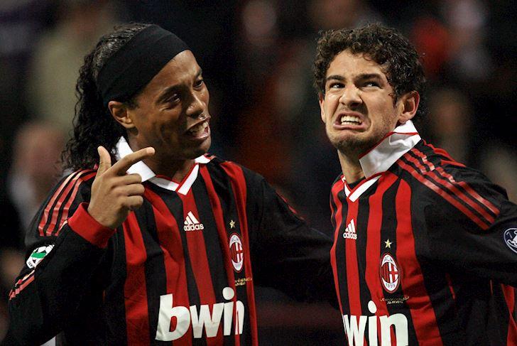Me-tiec-tung-voi-Ronaldinho-Pato-ly-di-vo-sau-9-thang-anh-1