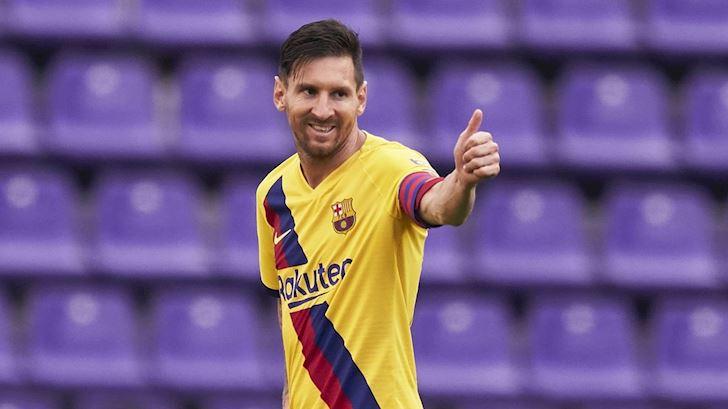 Mot-minh-Messi-chap-ca-doi-Everton-cong-lai-anh-1