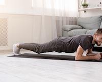 Thử thách 10 phút Plank tại nhà cho cơ bụng săn chắc