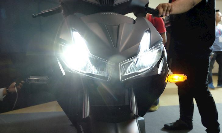 Bỏ công tắc đèn trên xe máy, lợi bất cập hại