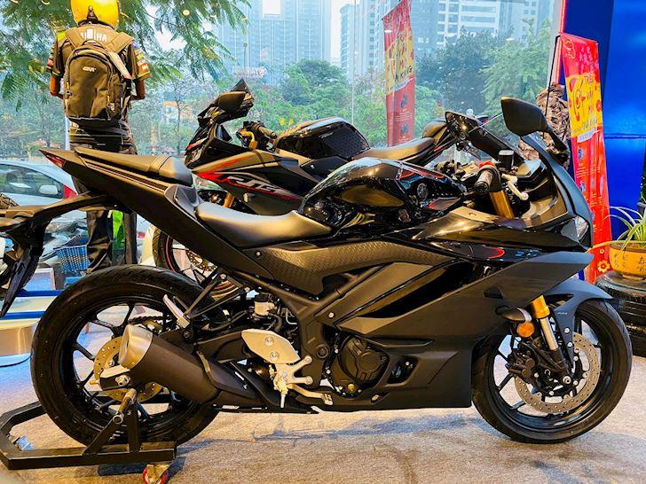 Cung phan khuc 300cc nen chon Yamaha R3 hay Honda CBR250RR 3