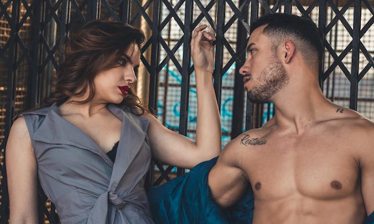9 điều phụ nữ sẽ nghĩ đến khi nhìn thấy anh em đang không mặc gì.
