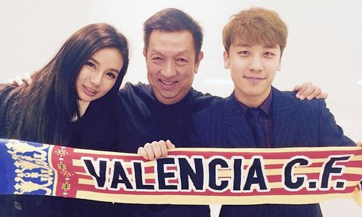 Ông trùm Singapore bán cả đội bóng, phá nát Valencia