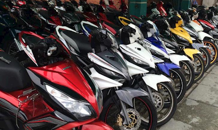 Chọn xe máy nhập nên mua ở tỉnh hay thành phố