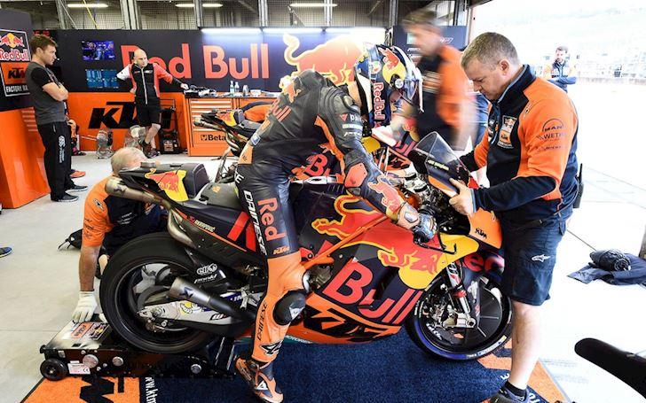 Bat ngo xe dua MotoGP duoc rao ban cong khai voi gia 7 8 ty dong 5