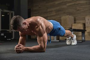 6 biến thể Plank giúp săn cơ bụng, căng tròn vòng 3 cho anh em bận rộn