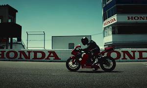 Honda CBR600RR 2021 hoàn toàn mới, thay đổi về ngoại hình và nâng cấp sức mạnh