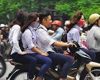 Học sinh giờ tan tầm, nỗi ngán ngẩm của nhiều người khi tham gia giao thông